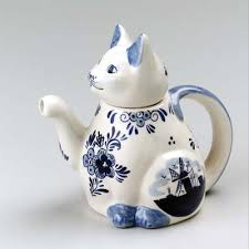 shaped teapot delft blue cat shaped teapot 6 5 easy on the budget delftware