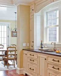 antique white kitchen cabinets sherwin williams antique white sw 6119 review
