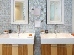 Bathroom Backsplash Ideas A Tile Border Outlines The Split Wall - Bathroom backsplash designs