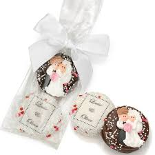 wedding chocolates chocolate wedding favors personalized chocolate bars cakes and