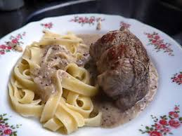 cuisiner paupiette de veau recette de paupiettes de veau maison et sa sauce poivré seb