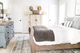 Guest Bedroom Essentials - how to make a guest room comfortable cheap bedroom ideas small
