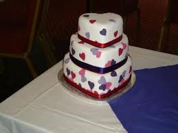 heart shaped wedding cakes most wedding cakes for celebrations heart shaped wedding cakes