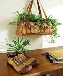 Recycling Old Shoes For Home Decorating With Green Plants And Flowers - Home decoration plants