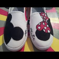 93 shoes hand painted minnie mickey mouse shoes size 7