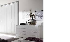 commode design chambre commode design blanche et chromé chambre adulte hcommehome
