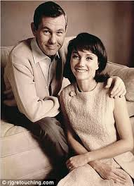 Johnny Bench Wife Johnny Carson Confirmed His Second Wife U0027s Affair After He Broke