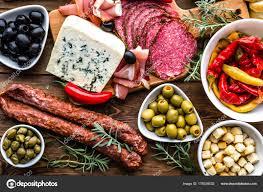 espagne cuisine table avec aliments bar à tapas d espagne viande froide et plateau