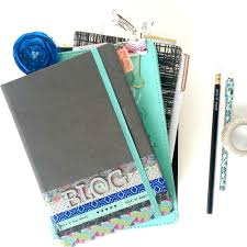 How To Keep Your Desk Organized Keep Your Desk Organized With These Tips éccolo Must Haves