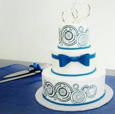 tardis wedding cake topper 8 stunning wedding cakes doctor who charming dr who