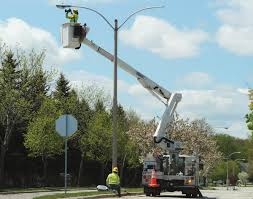who to call when street lights are out street light problems cedarburg light and water