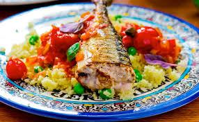 cuisiner du maquereau frais maquereau grillé et semoule aux légumes wecook