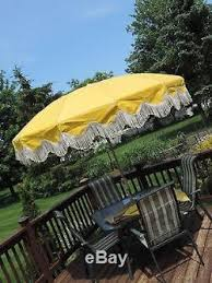 Vinyl Patio Umbrella Vtg Aluminum Vinyl Patio Umbrella Fringe Crank Tilting 8 Floral