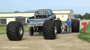 bigfoot the original monster truck bigfoot tire change regular version youtube