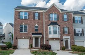 how many square feet is a 1 car garage sold on charlotte over 2400 heated square feet 1 car garage