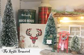 farmhouse christmas decor in the kitchen