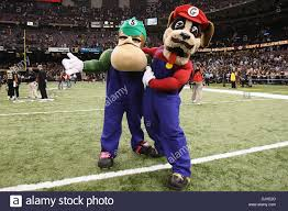 oct 31 2010 the saints mascots dress up as mario and luigi for