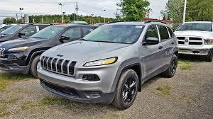sport jeep cherokee 2017 jeep cherokee v6 sport dark altitude 4x4 prix jamais 2017 gris