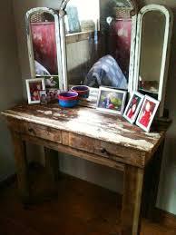 makeup vanity pallet vanity diy makeup wood best ideas on