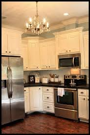 Crown Molding On Top Of Kitchen Cabinets Love The Crown Molding On Top Of The Cabinets White Cabinets And