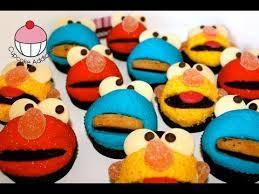 elmo cupcakes elmo cupcakes make elmo sesame cupcakes a cupcake
