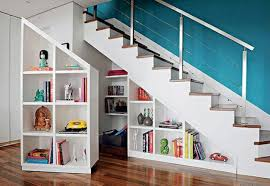 schrank unter treppe der platz unter der treppe bietet viel stauraum der aber oftmals