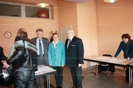 fermeture bureau de vote isère nord françois fillon en tête dans tous les bureaux de vote