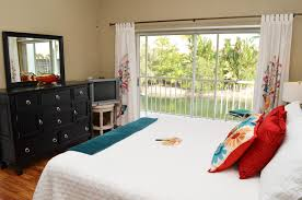 Bedroom Furniture Naples Fl by Falling Waters Naples Rental Ultimate Island Escapes