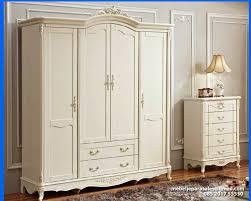 lemari pakaian klasik 4 pintu furniture asli jepara mebel