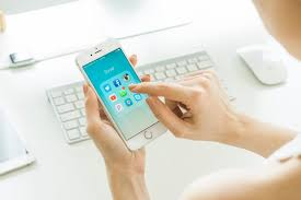 7 Apps To Help Organize Your Life by 7 Tips To Declutter Your Phone Or Tablet Hgtv U0027s Decorating