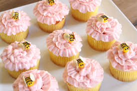 bumble bee cupcakes crave indulge satisfy flower bumble bee cupcakes