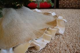 burlap tree skirt dwelling cents easy christmas decor diy burlap tree skirt