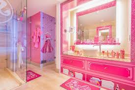 Pink Themed Bedroom - pink soaked barbie themed rooms at hilton panama luxurylaunches