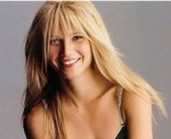 hair for straight hair a big nose gwyenth paltrow long blonde straight hair with piecey bangs