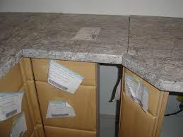 assemblage meuble cuisine montage plan de travail cuisine assemblage meubles et plans lzzy co