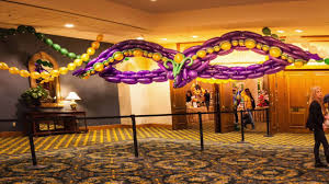 mardis gras decorations mardi gras party decor with balloons