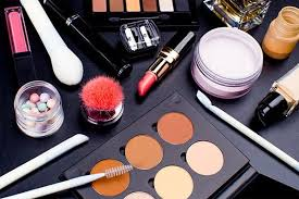 makeup artist equipment 7 steps needed for putting your cosmetology skills into