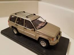 jeep cherokee toy tamiya jeep grand cherokee limited v8 under glass scale auto