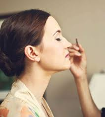 makeup artists that come to your house 10 questions to ask your wedding hairstylist makeup artist