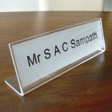 Desk Signs For Office Office Desk Nameplates Freestanding Name Signs Http Www De