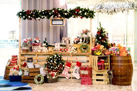 what u0027s trending christmas markets visual merchandising vm