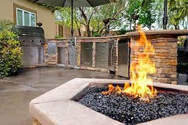 cuisine d ete en beton cellulaire brasero en siporex ou beton cellulaire idées jardin