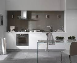 cuisine blanche grise design interieur cuisine blanche meubles laqué table chaise