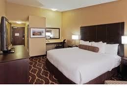 la quinta 2 bedroom suites room features la quinta inn suites las vegas tropicana