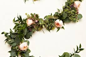 floral garland learn how to create your own gorgeous floral garlands weddingbells