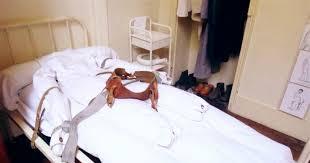 Bedroom Restraints Ddr Psychiatrie Fixierbett Mit Zwangsjacke Gdr Psychiatry