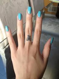 tattoo on finger bow 10 adorable small tattoo ideas tattoo finger girl tattoos and tattoo