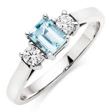 aquamarine and diamond ring 18ct white gold diamond and aquamarine ring 0000090