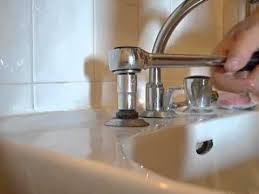 fuite mitigeur cuisine réparer une fuite sur un robinet d évier de salle de bain jacob