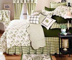 Pottery Barn Comforters Toile Quilts And Comforters I Am Loving The Darcy Toile Bedding At